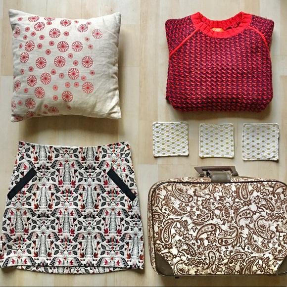 Topshop Dresses & Skirts - Topshop Tall tapestry miniskirt w/ pockets Size 4